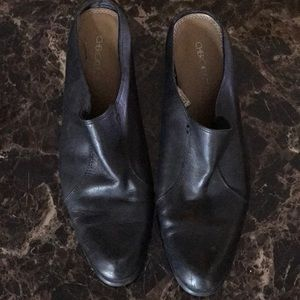 Pair of slip on dress shoe size 8 1/2